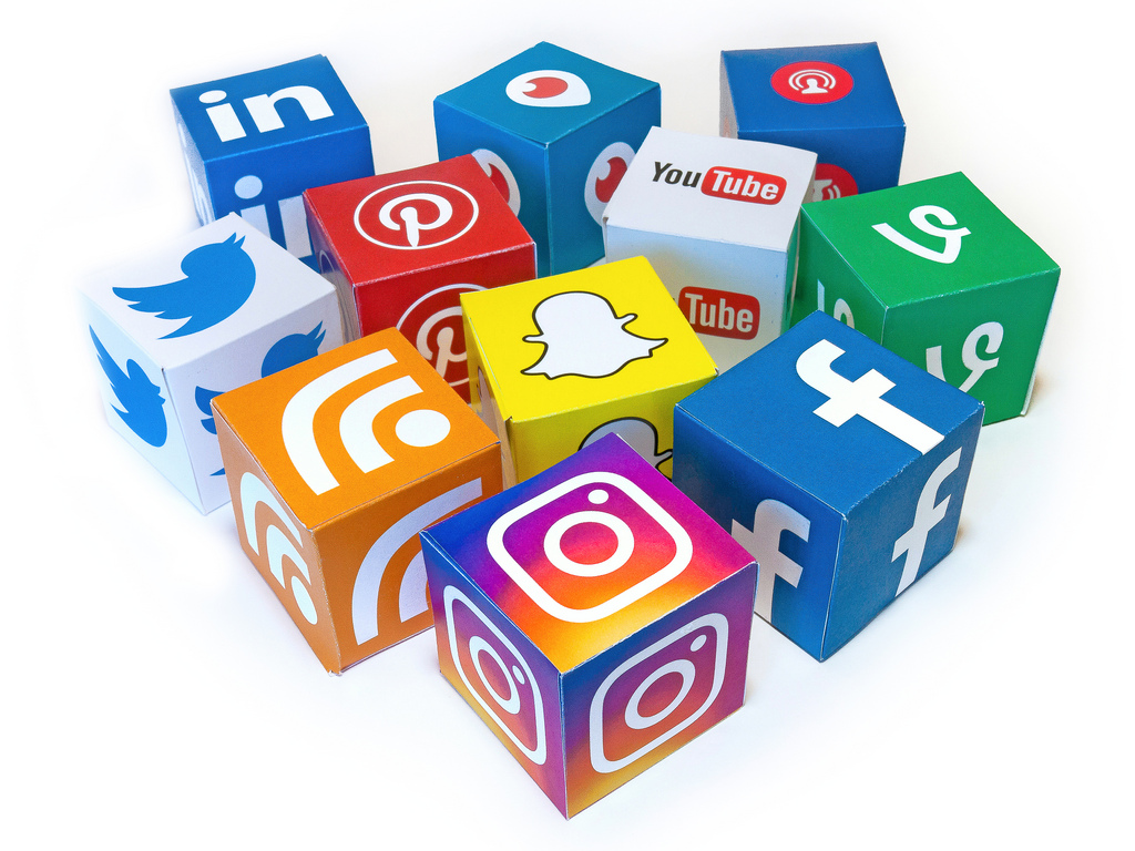 In+such+a+social+media+dominated+world%2C+popularity+on+the+social+apps+has+become+more+and+more+attainable.+All+it+takes+is+a+few+steps+to+gain+your+own+fame.+