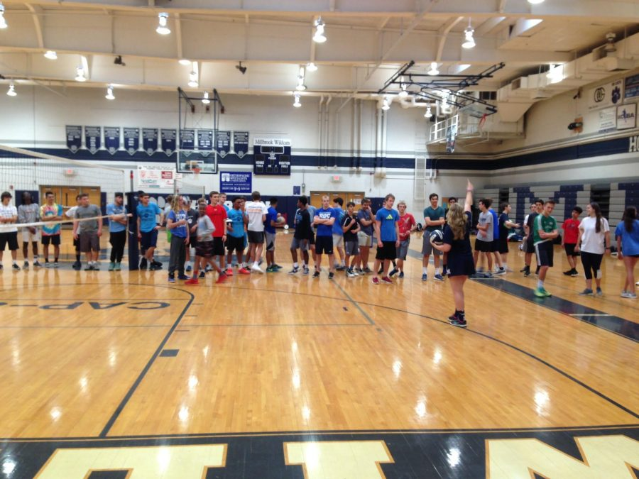 Lining+up+together%2C+the+players+prepare+to+start+practice.+The+practices+let+the+players+get+to+know+their+teammates+and+teach+them+how+to+play+volleyball+correctly.