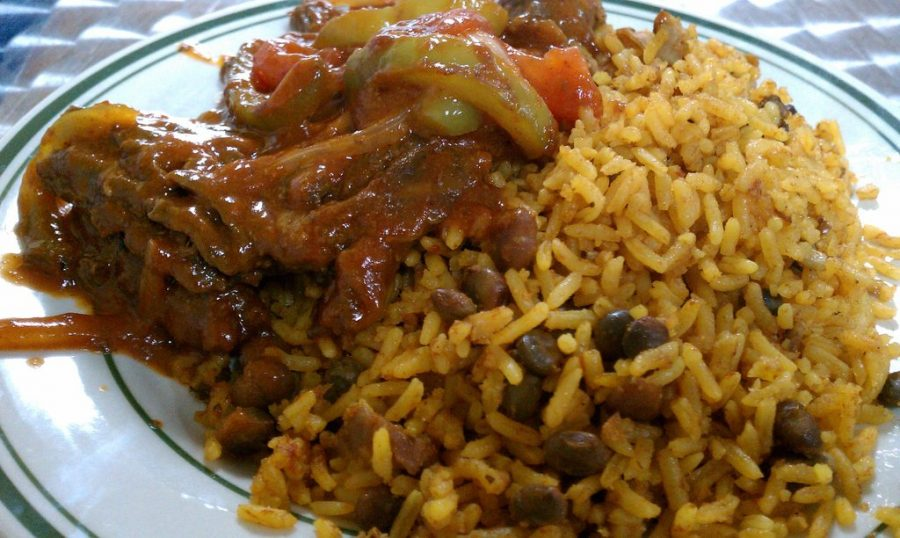 Adding meat to this dish makes arroz con gandules y pasteles the perfect meal. While it tastes fresh and has a different kind of flavor, it is also very beneficial to your diet.
