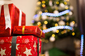 Lying wrapped around the tree, the gifts the rest of your family have bought mock you, as you are the only one who has waited until the last minute. This year, don't procrastinate; put forth the right amount of effort in purchasing your gifts, and skip sifting through a picked-over selection.