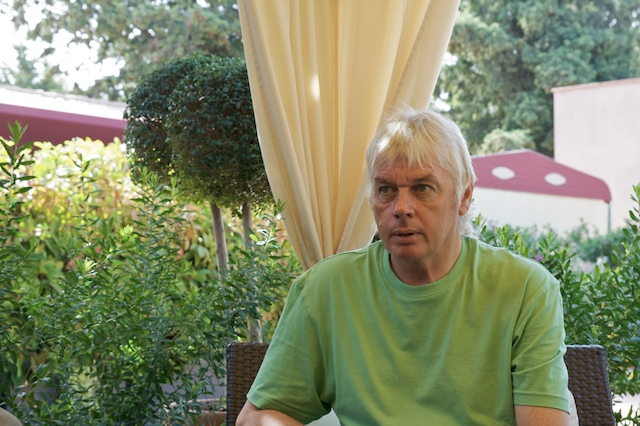 Appearing very serious as he discusses his in-depth conspiracy, founder of the lizard-people phenomenon, David Icke, talks to a skeptic. Could it be true that shape-shifting alien lizards are infiltrating our society?