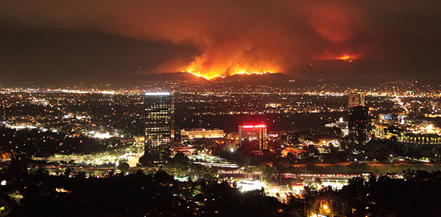 What+seems+to+be+a+bright+night+in+California+is+far+more+deadly+than+it+looks.+Just+over+the+mountains+overlooking+Los+Angeles%2C+a+ginormous+wildfire+is+ablaze%2C+scorching+much+of+the+adored+landscape.+