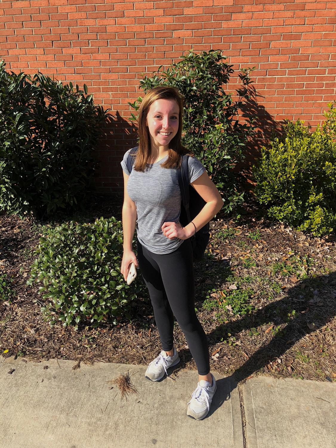 Head to toe in workout clothes, it looks like sophomore Anna Cate Broome is team Lulu! Is the sleek, sporty look just a fad, or is it here to stay?