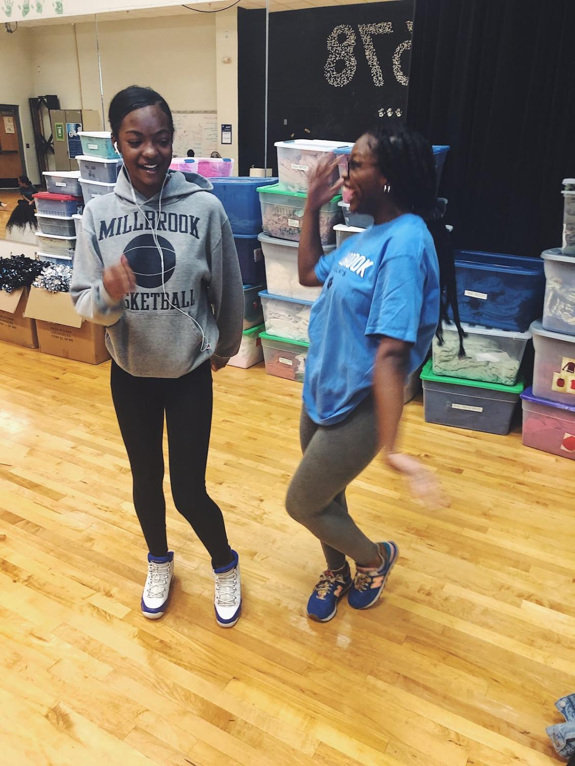 Dancing with her best friend, seniors Nazjeah Davis and Shamari Montegomery listen to their favorite song in dance class. Dancing is a great way to connect you with your friends, and 2019 has brought some great moves to go along with it.