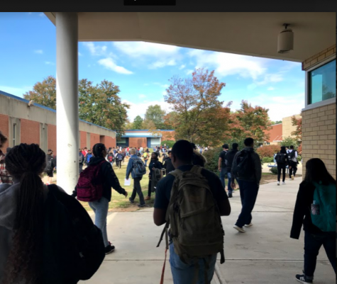 As students at Millbrook High School transition to their next class, many rush along the somewhat crowded sidewalks in order to get where they need to be on time. Many students worry about being late to class so they do not have time for a brain break.