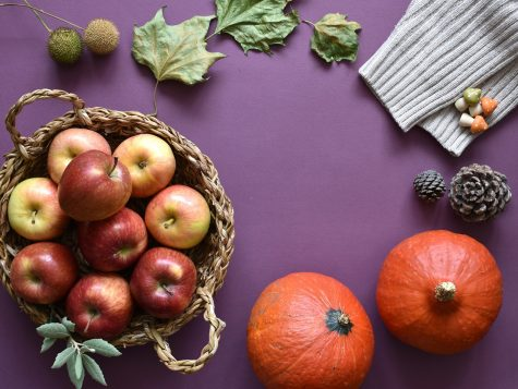 Displayed in this fall arrangement are apples and pumpkins that signify the cozy and delicious feelings of the season. With so many options to choose from this time of year, take the opportunity to try out some new produce items and recipes.