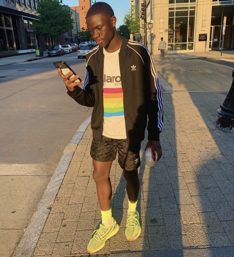 Walking down the streets of downtown Raleigh, senior Jordan Ward models the athleisure look perfectly. The trend of athleisure is comfortable yet stylish, as it combines a perfect balance of sports and formal wear.